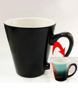 Кружка хамелеон конусный (черная термокружка)